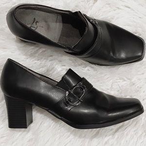 NEW Life Stride Black Loafer Heels